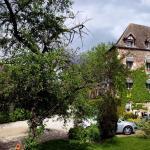 Hotel Pictures: Le Moulin D'Hauterive - Chateaux et Hotels Collection, Saint-Gervais-en-Vallière