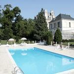 Hotel Pictures: Chambres d'hôtes Château de la Rolandière, Trogues