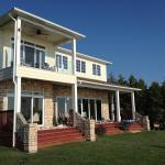 Hotel Pictures: Bluewater Beach House, Grand Bend