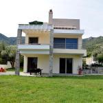 Our House / Luxury Apartments,  PalaiónTsiflíkion