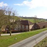 Bishop Barns, Bishop Wilton