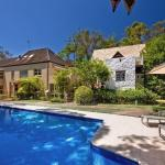 Hotel Pictures: 44 Park Road, Little Cove, Noosa Heads