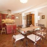 Hotel Pictures: Villa - Solliès-Toucas, Solliès-Toucas