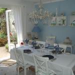 Hotel Pictures: Maison des Amis, La Chapelle-Thémer