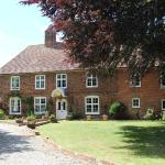 Hotel Pictures: Molland Manor House Bed & Breakfast, Sandwich