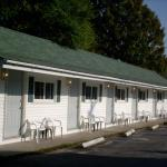 Hotel Pictures: Mackenzie Motel & Cottages, Shelburne
