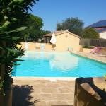 Hotel Pictures: Camping L'olivier (Team Holiday), Massillargues-Attuech