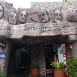 Rainbow Bar Motel, Vung Tau