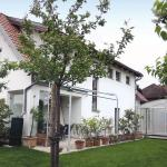 Hotelbilleder: Three-Bedroom Holiday home in Bisamberg, Bisamberg