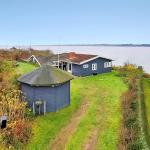 Hotel Pictures: Four-Bedroom Holiday Home Munkevej 04, Hvalpsund