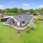 Hotel Pictures: Three-Bedroom Holiday Home Sneppevej 06, Kare