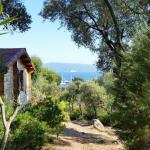 Hotel Pictures: Mare E Monti Chalets, Porto Pollo