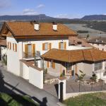 Horse House, Romallo