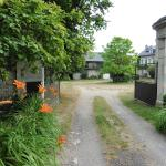 Hotel Pictures: Gîte De Charme : L'Ancienne Grange, Chivres-Val