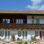 Hotel Pictures: Miramont Trekking Hof, Saicourt