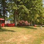 Hotel Pictures: Chalet A5, Saint-Fargeau
