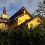 Euro Country Villa, Renai