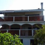 Apartments Kec-Kec, Lun
