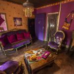 Hotel Pictures: Nuit d'Ailleurs, Calais