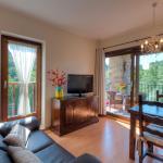 Hotel Pictures: Apartaments Flor De Neu, Sarroqueta