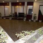Nutan Hotel, Balrāmpur