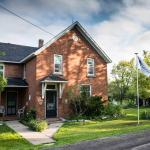 Hotel Pictures: Laura's Bed & Breakfast, Collins Bay