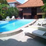 Adus Beach Inn, Legian