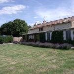 Hotel Pictures: Holiday Home Chez Coudret, Brux