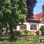 """Hotel Pictures: Garni - Hotel """"Unsere Stadtvilla"""", Hechingen"""