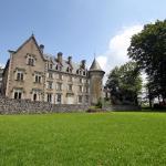 Hotel Pictures: Chateau De Calmels, Lacaune