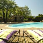 Entre Luberon et Mont Ventoux, avec piscine chauffée,  Caseneuve