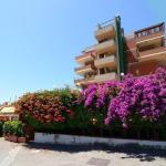 Pietrenere, Giardini Naxos