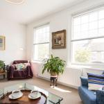 Add review - Barons Court Apartment