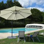 Hotel Pictures: Le Manoir Du Bout Du Pont, Agnac