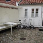 Hotel Pictures: Little House Torvet, Bogense