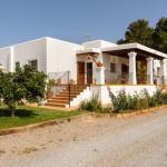 Hotel Pictures: Four-Bedroom Holiday home in Santa Gertrudis, Santa Gertrudis de Fruitera