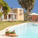 Hotel Pictures: Four-Bedroom Villa in Sant Josep de Sa Talaia / San Jose with Terrace, San Jose de sa Talaia