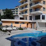 Golden House Apartments, Golden Sands