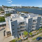 Foto Hotel: Sandy Shores Luxury Holiday Units, Caloundra