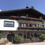 Hotellikuvia: Ferienhaus Weissenbacher, Radstadt