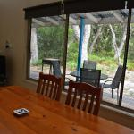 Hotel Pictures: Waterfront Retreat At Wattle Point, Paynesville