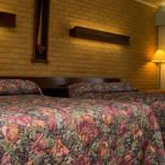 Hotel Pictures: Downeast Motel, Windsor