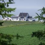 Hotel Pictures: Marée Val (à l'Orée de Mer), Sainte-Flavie