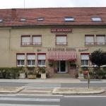 Hotel Pictures: Hotel le Centre, Comblanchien