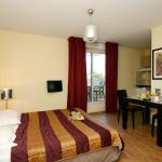 Hotel Pictures: Appart'Hotel Odalys Olympe, Antibes