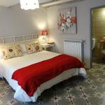 Hotel Pictures: Apartamentos La Dama Azul, Ágreda
