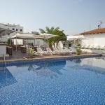 Hotel Pictures: Hostal Montesol, Cala Ratjada