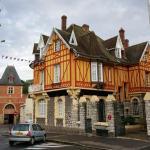Hotel Pictures: La Porte De Bretagne, Péronne