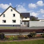 Hotel Pictures: Ferienhaus im Grünen Eifel, Schleiden