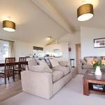 Caddy s Corner Lodges, Porkellis